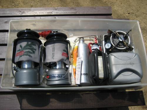 キャンプ用品ケース収納例